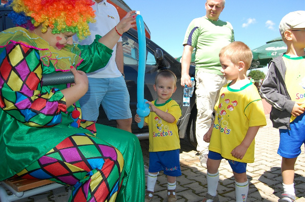 organizacja urodin z klaunem