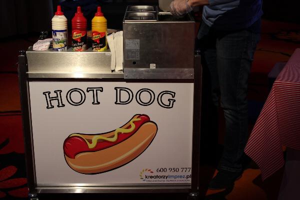 stanowisko z hot dogami warszawa