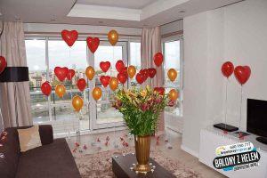 balony_z_helem_serca